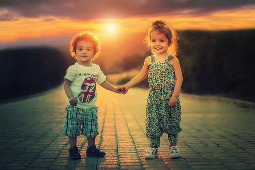 Boy and Girl (Pixabay)