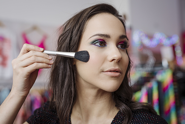 80s-makeup-step-7.png.pagespeed.ce.nNPqnhNVqs.png