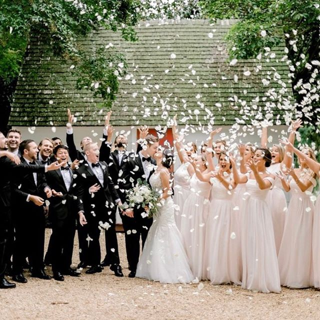 @reneehphoto this image is gold of Wren Bride @beestrass and her crew!