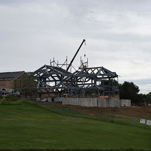 Making progress on the #steel at our St. Elizabeth Ann Seton Project! Weather has been hit or miss but we're working through it! #construction #catholichurch #builder #craftsmanship