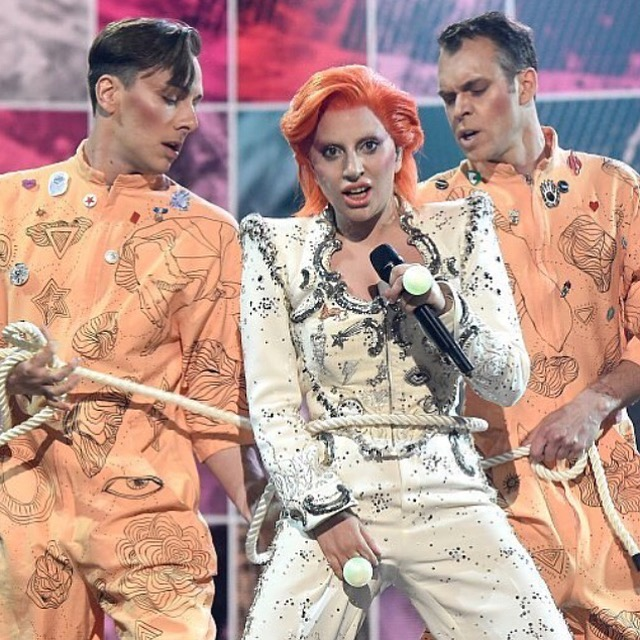 David Bowie Tribute: 58th Annual Grammy Awards