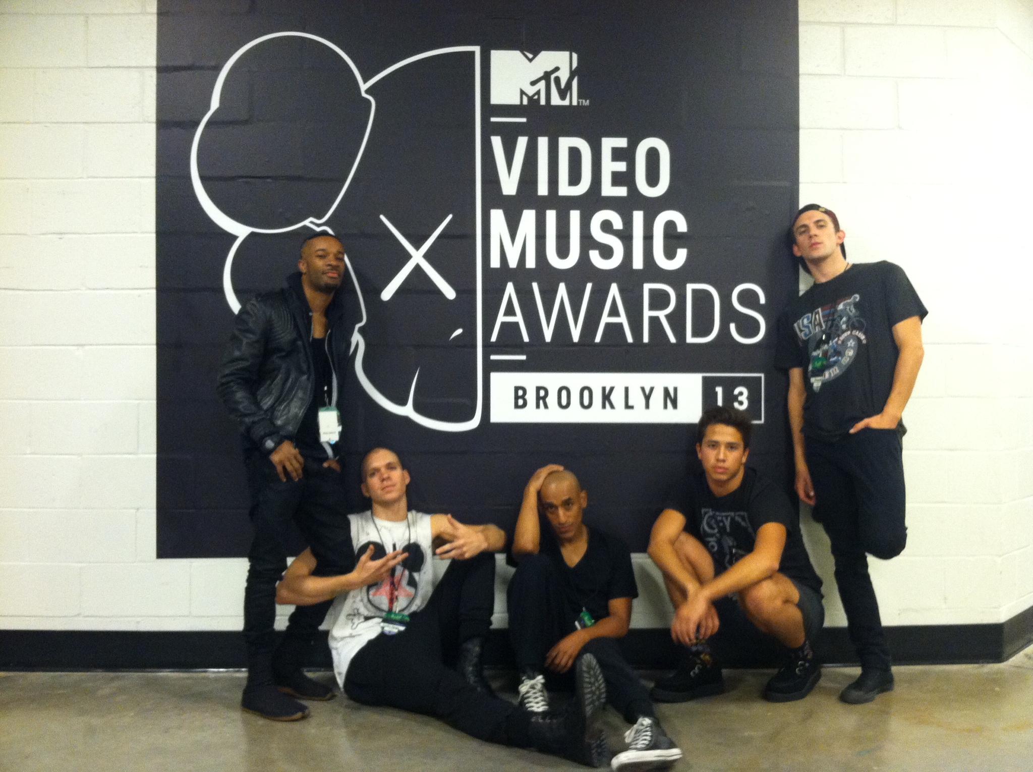 Backstage at 2013 MTV VMA's