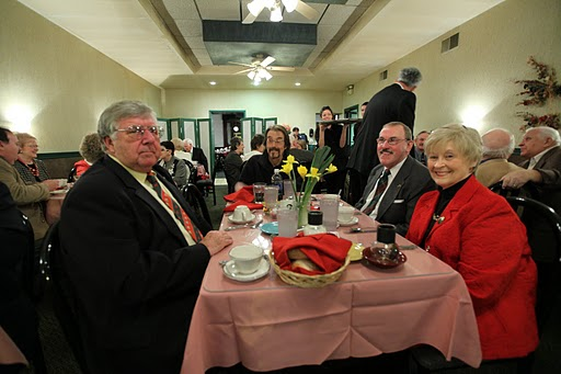 Ted Frutchey, Donald Powell, Jerry and Patty Williams enjoy the evening.