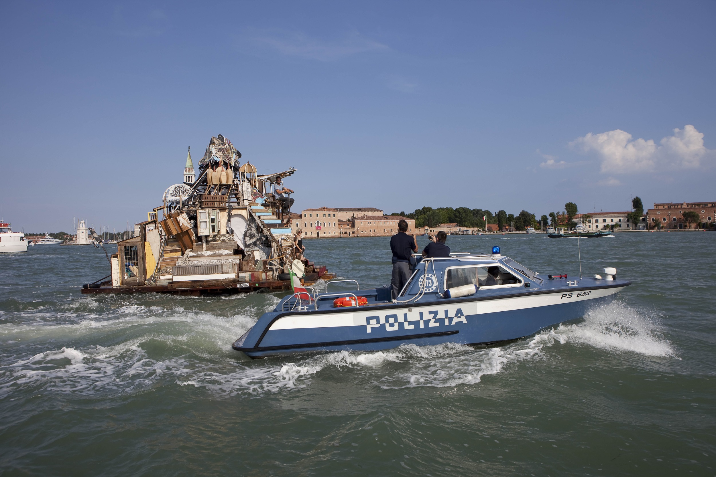 Swimming Cities of Serenissima : Swoon and 35 artistic collaborators sailed across the Adriatic Sea to crash the 2009 Venice Biennale. ( Photo : Tod Seelie)