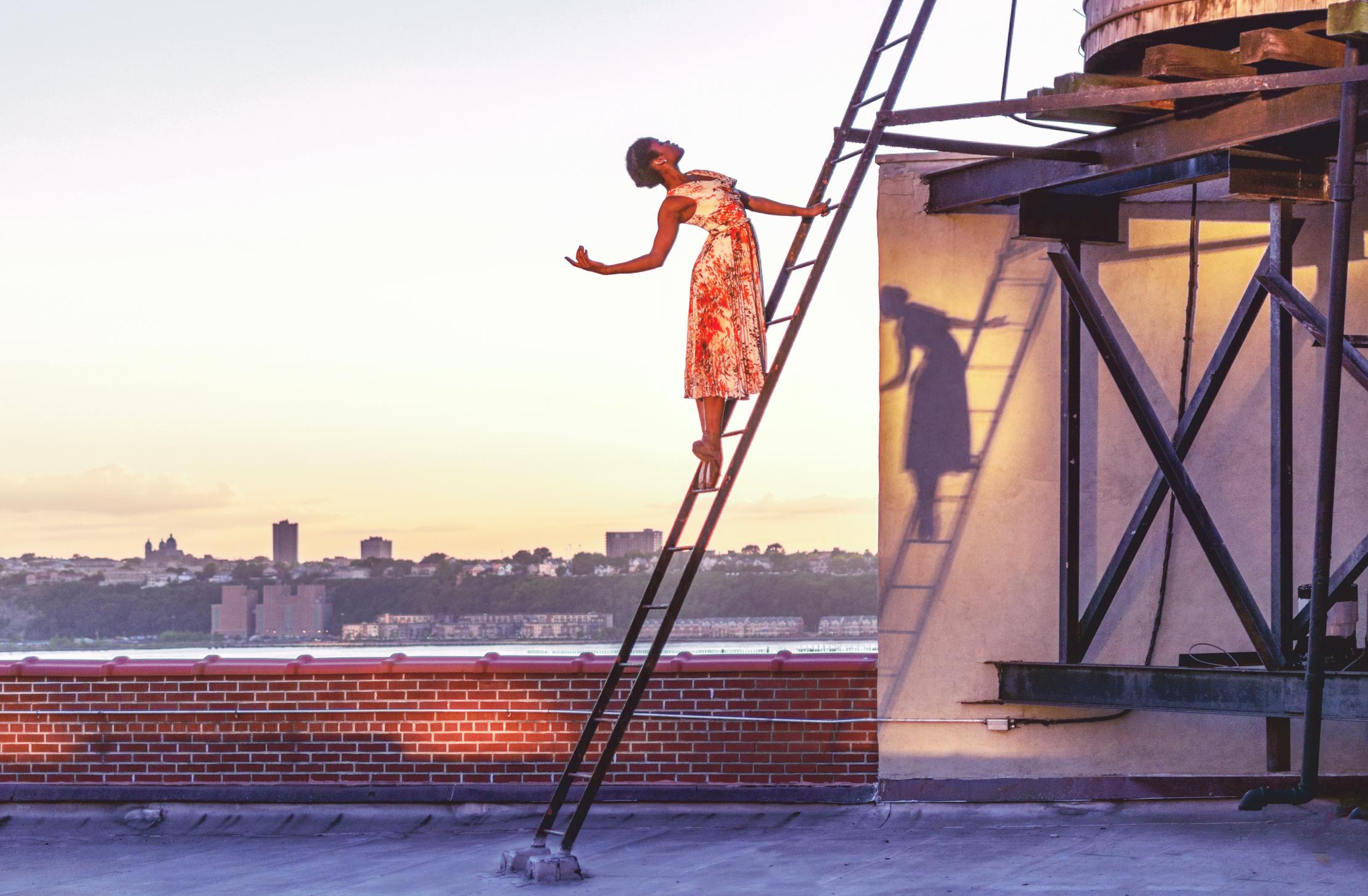 Lucinda Grange - Ingrid Silva.jpg
