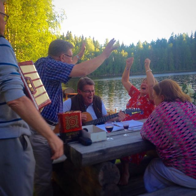 Midsummer celebrations with finish and swedish uncles and aunts ☝🏼️😂