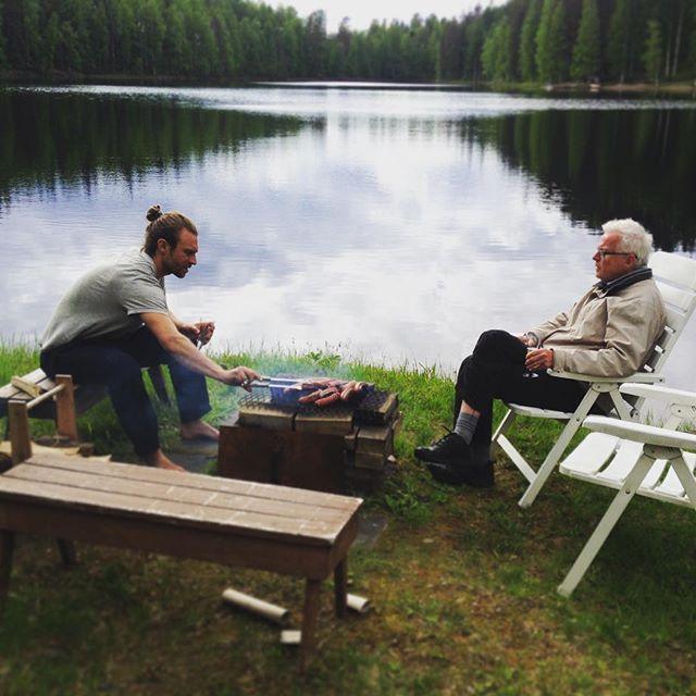 Midnight talks 🤔🌞👍🏼 #midsimmerinfinland #sundoesntgodown