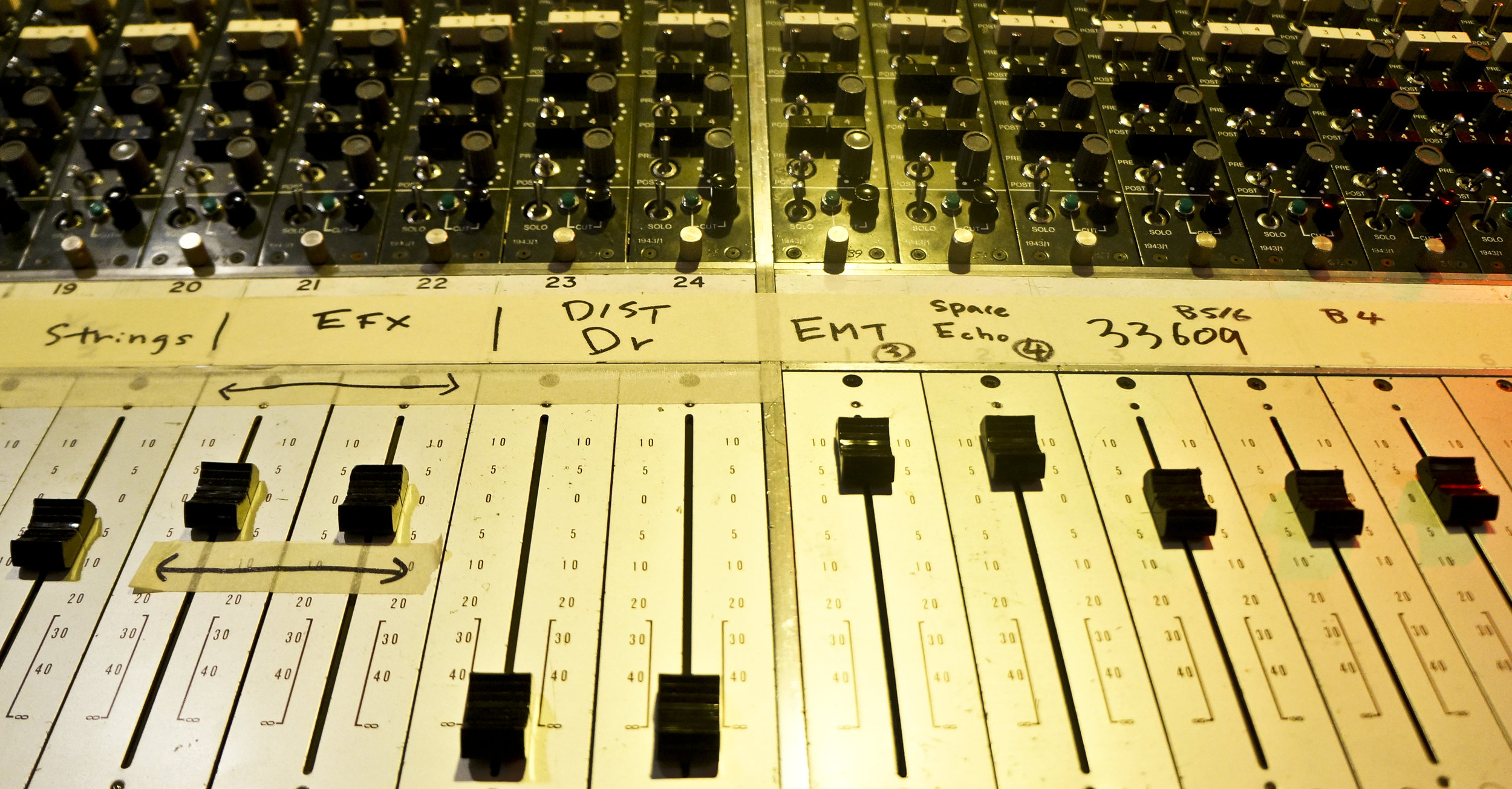 Mixer_panel_film_scoring_banner