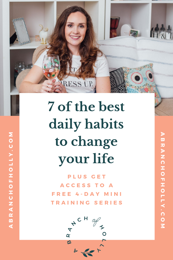 Want to learn some of the best daily habits to improve your life? In this post, I'll share with you a list of daily habits of successful people, including the importance of morning routines and good, healthy habits for happiness and to improve your lifestyle. Repin and get access to my free mini training series happening next week called: How to Simplify Your Social Media Strategy and Sign More Clients in 4 Days. #dailyhabits #morningroutines #bulletjournal