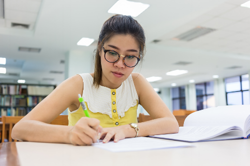 Writing an Awesome College Application Essay: Here's What you Need to Know