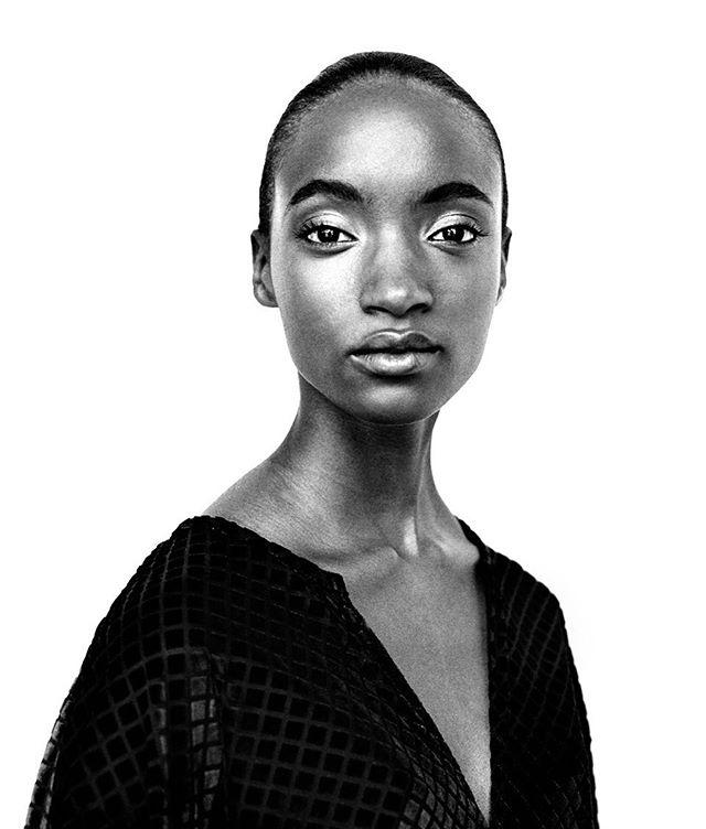 Model : Renee & Chelsea  Agency : @elitenyc  Makeup & Styling @boswellafide  Photography @sterlingbatson . . #portrait #blackandwhite #models #style #natural #beauty #photooftheday