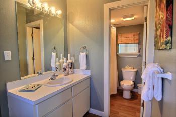 Vanity, Bathroom & Shower/Bath