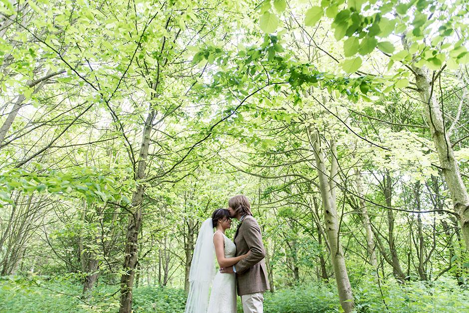 fun_countryside_wedding_03