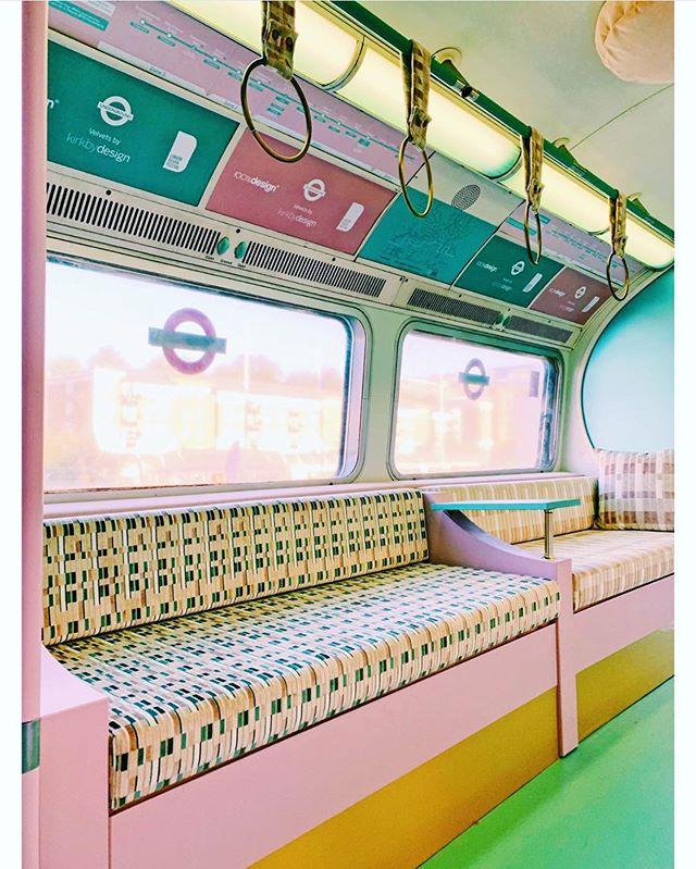 COMMUTE OF DREAMS 🍬🏩💠 ⠀⠀ @kirkbydesign x @transportforlondon installation, pics via @emmajanepalin 💗