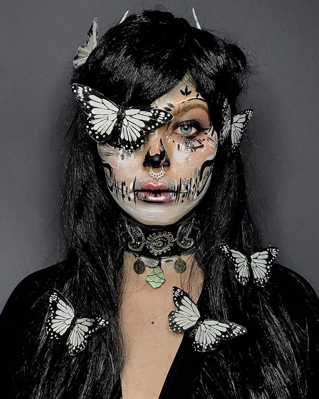 💀 Butterfly Skeleton 💀 ⁣ ⁣ We teamed up with hallow queen @thrillsoftomorrow for a creative play day to bring you some of our brand new makeover materials, including our new butterflies 🦋 ⁣ ⁣ Mia created this incredible skull look using paints and our biodegradable glitter ✨ which we styled with our embroidered choker and monochrome butterfly clips (available online now) 🖤🖤🖤 ⁣ ⁣ ⁣ ⁣ ⁣ #themermaidcave #mermaids #halloween #halloweenmakeup #skull #skeleton #butterflies #halloweeninspo #facepaint #paint #glitter #biodegradableglitter #bioglitter #facepainting #artist #makeup #mua #faceart #beauty #makeupartist #beautyblogger #plasticfree #sustainability #sustainable #zerowaste #ocean #ecofriendly #eco #crueltyfree #vegan