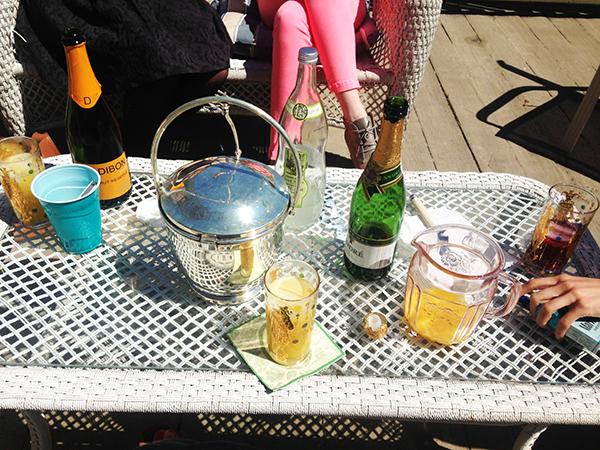 { Patio cocktail parties are all more fun post-grad. Hello champagne. Ok, cheap champagne, but still champagne. }