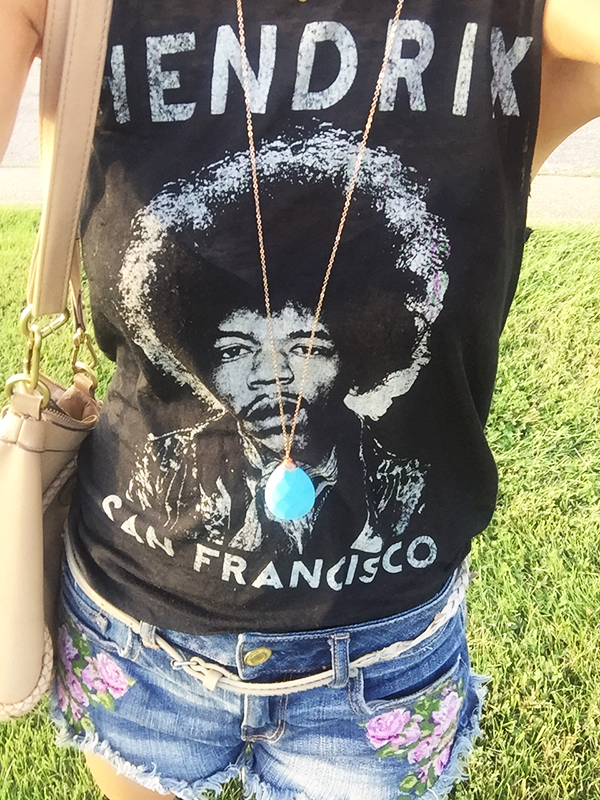{ The most comfortable t-shirt ever + how gorgeous is this  Roxanne Kelly  necklace? }