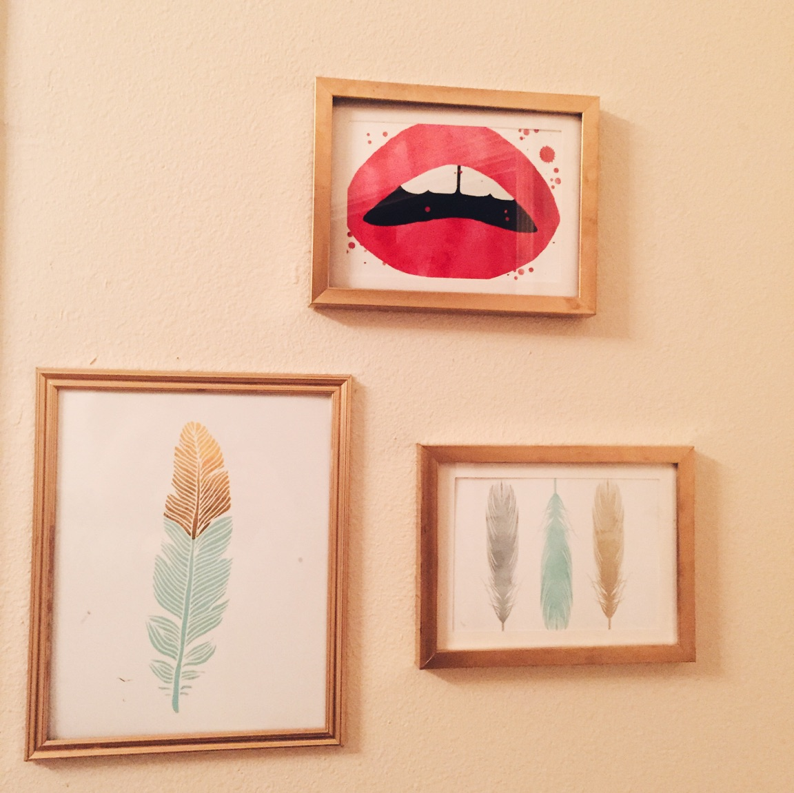 { My recent stab at spray painting everything gold. My newly mini gallery wall is coming to life! }