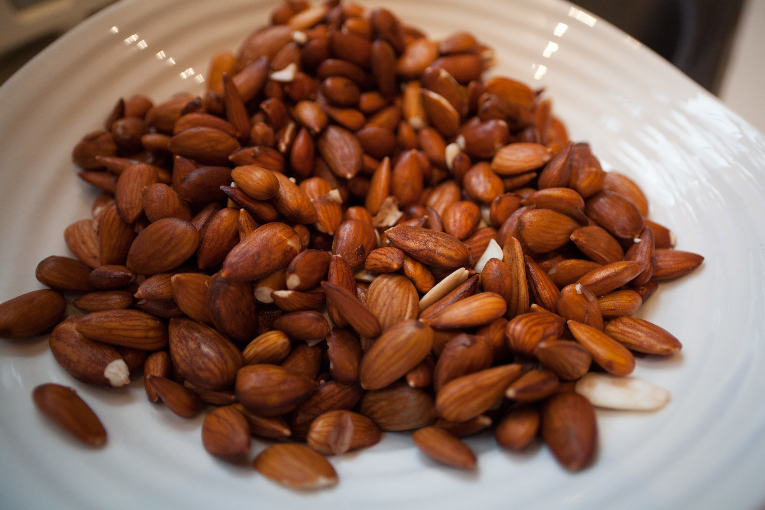 Almonds soaked overnight, rinsed off with cool water, drained, and set aside.