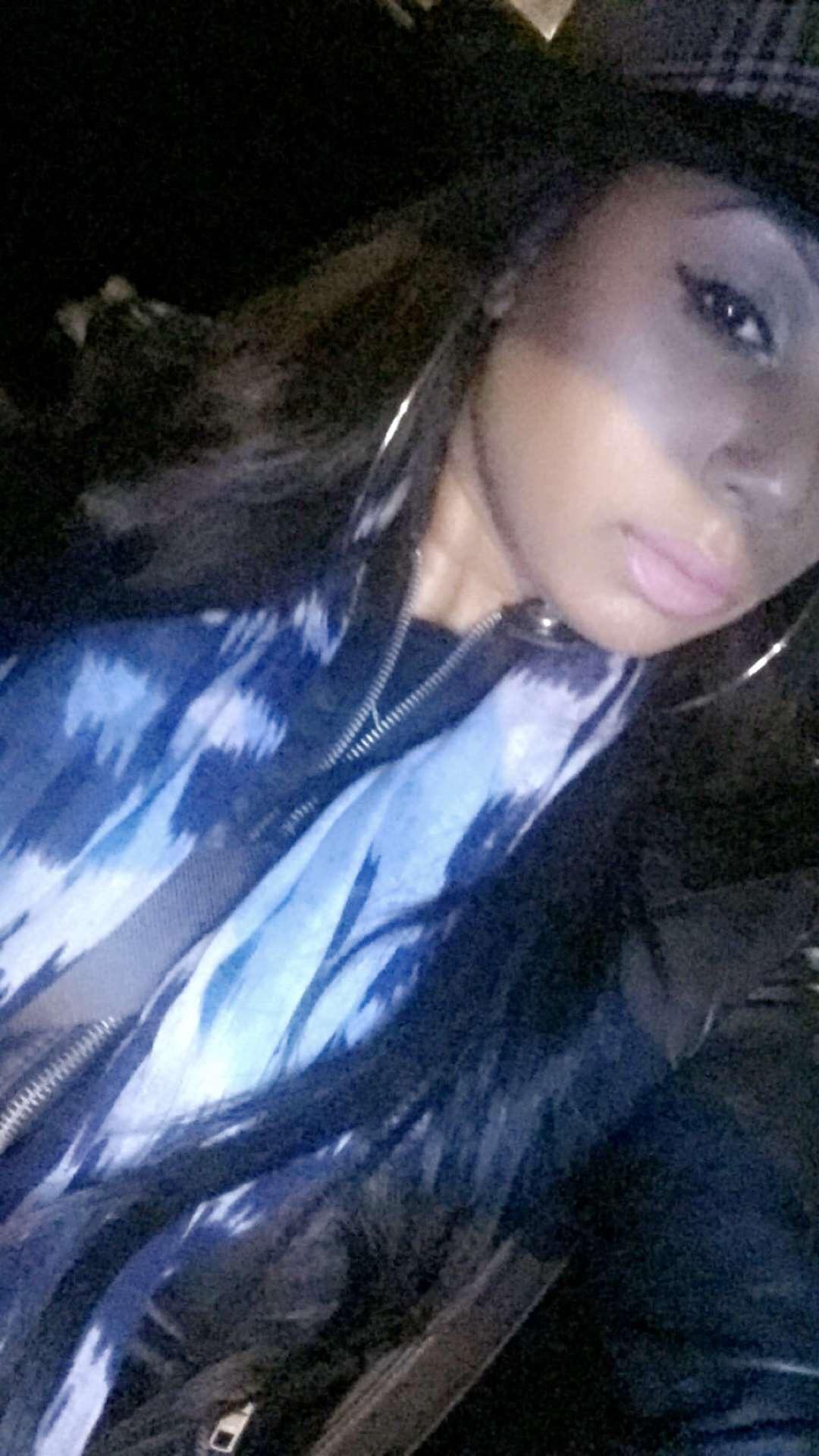 JayChantelle is wearing ColourPop Cosmetics Ultra Matte Lip in Lumiere.