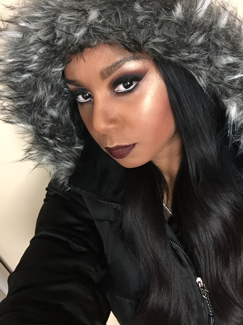 Dark smokey eyes, matte lip with highlights for the Anti-Valentine's Day Look.