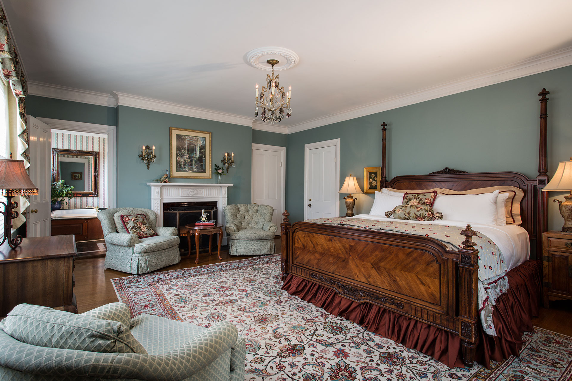 La-Farge-Perry-House_Master-Suite.jpg
