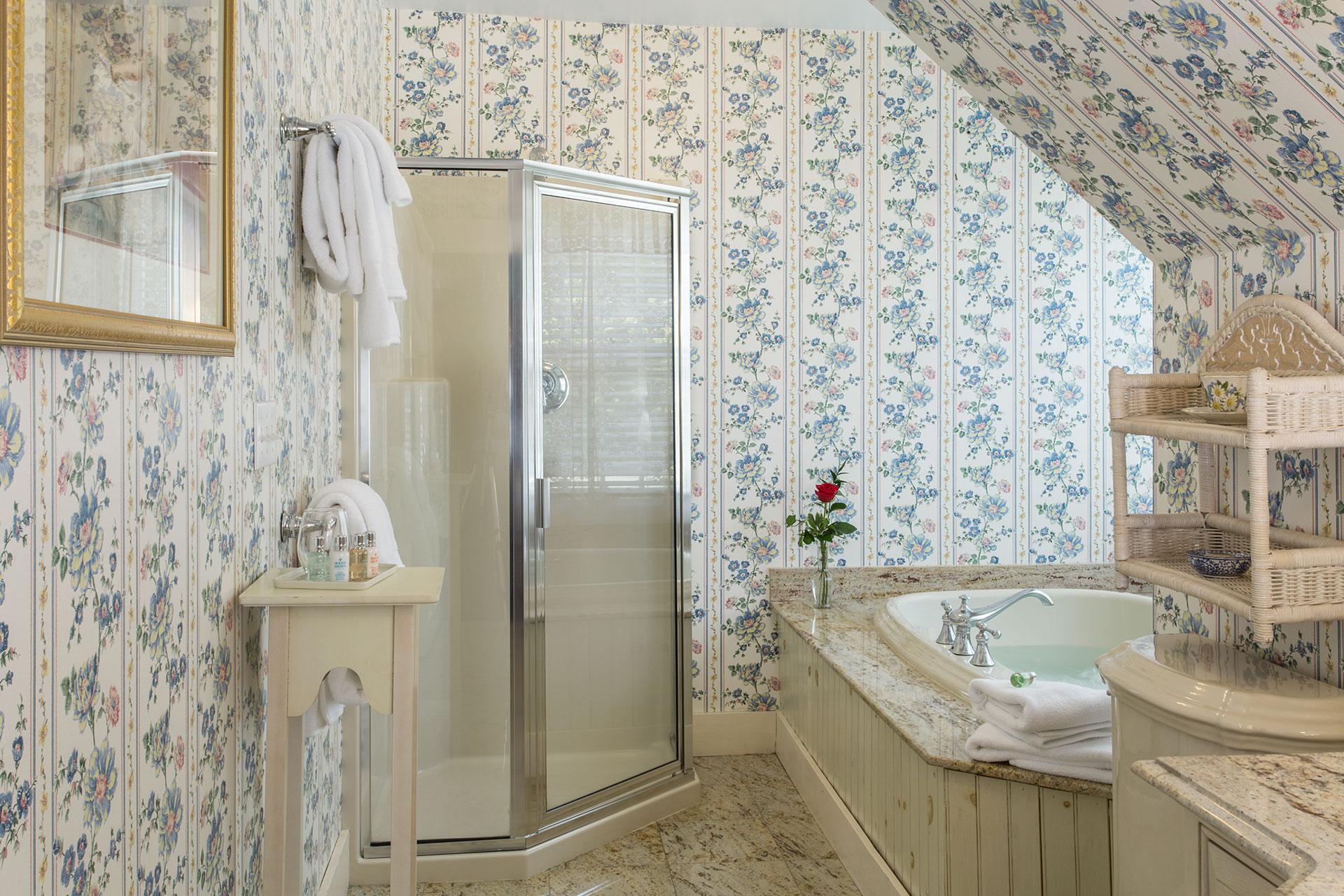 La-Farge-Perry-House_Margaret-Perry-Bathroom.jpg
