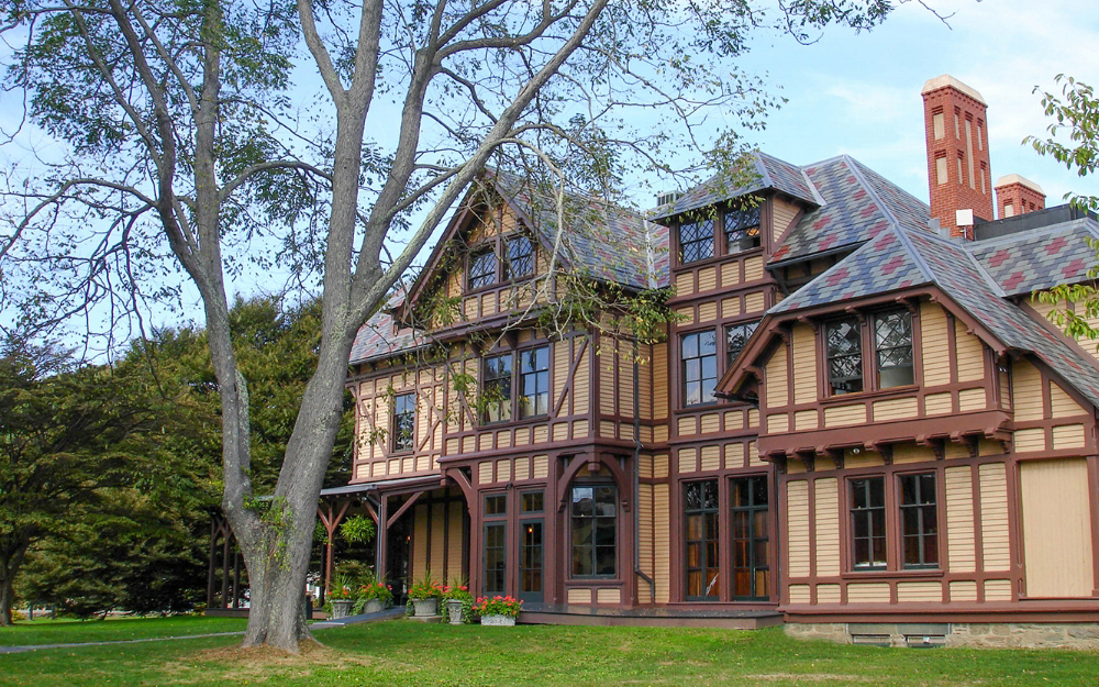 Newport-Art-Museum_Visit-Newport_La-Farge-Perry-House.jpg