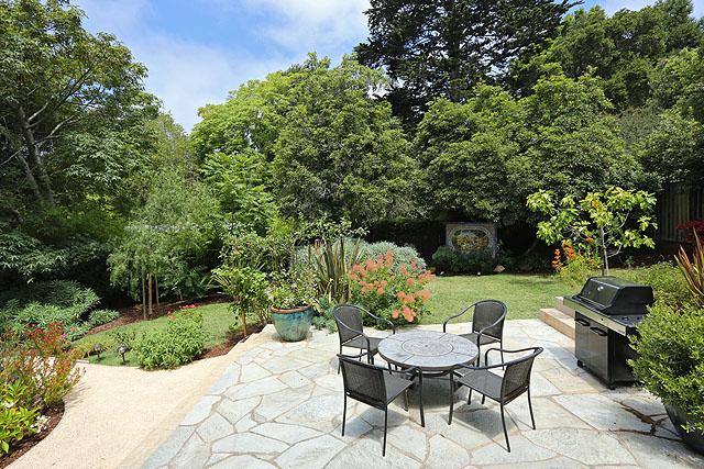 23 Patio and garden.jpg