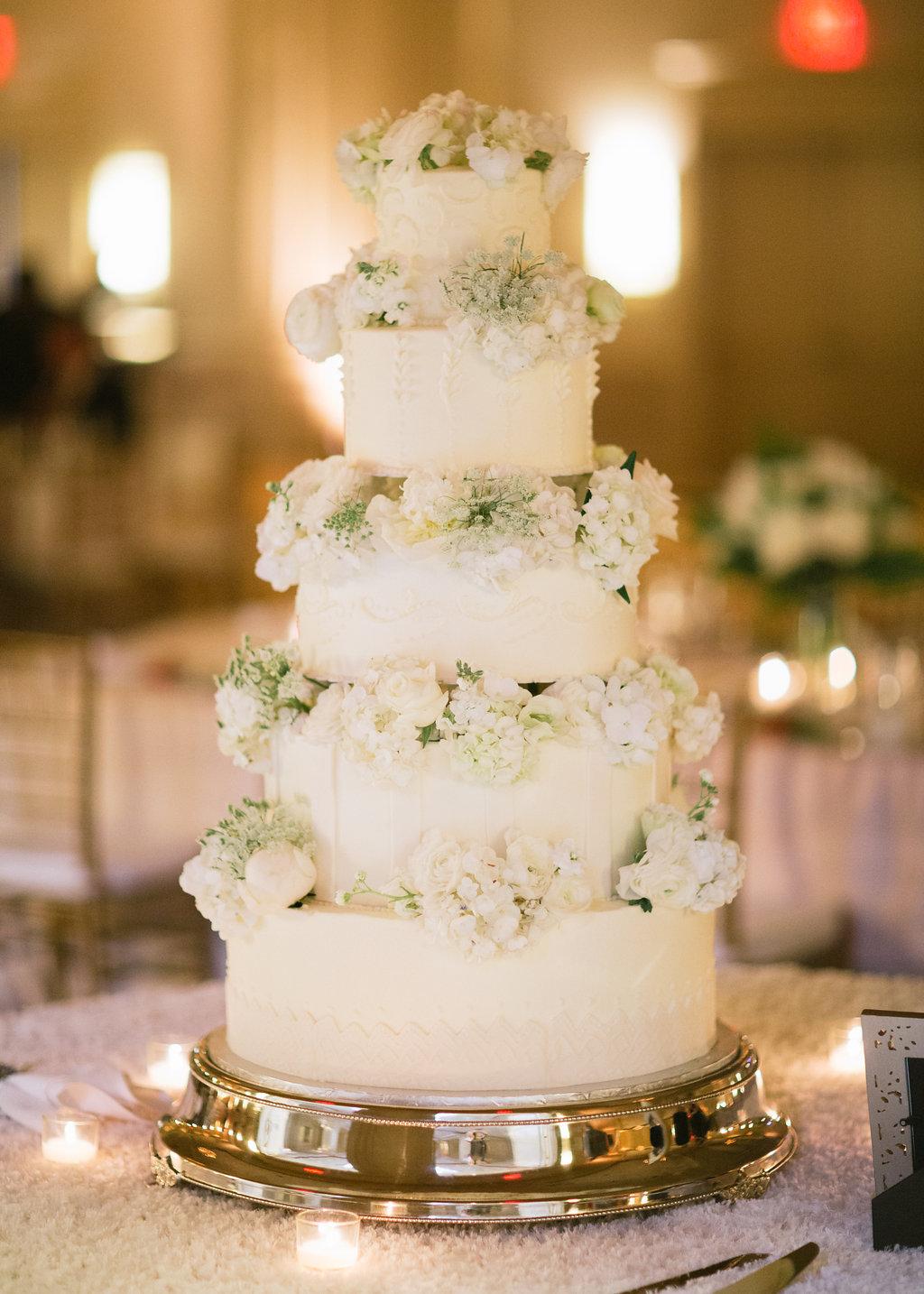 wedding-cake-marriott-ballroom-greg-boulus-events-augusta-georgia