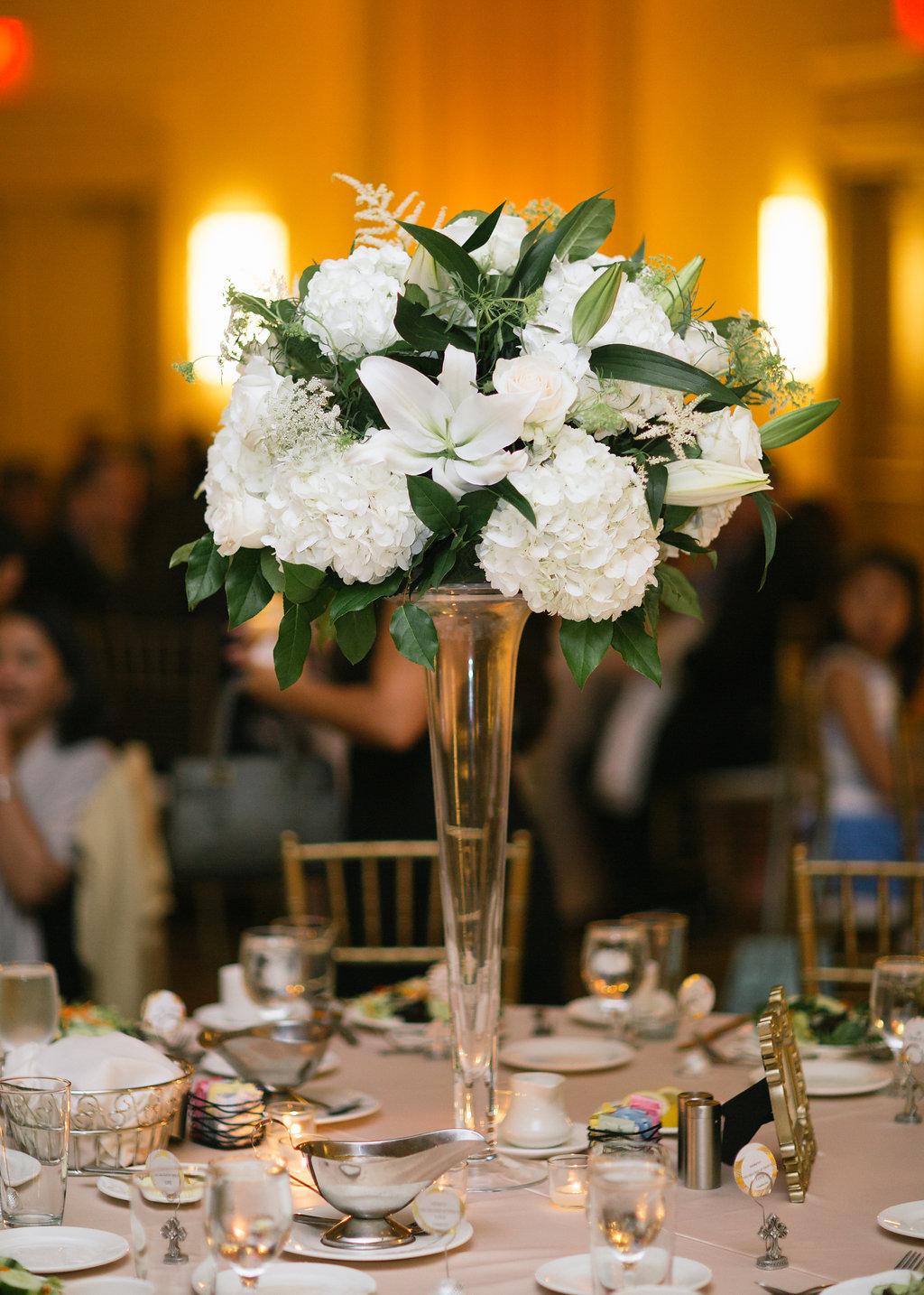 tall-guest-table-arrangement-marriott-reception-greg-boulus-events-augusta-georgia