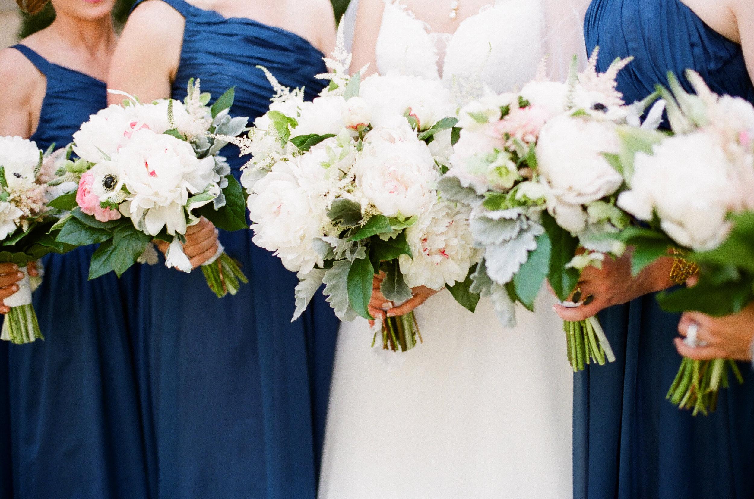 bride-bridesmaids-bouquets-greg-boulus-events-augusta-georgia