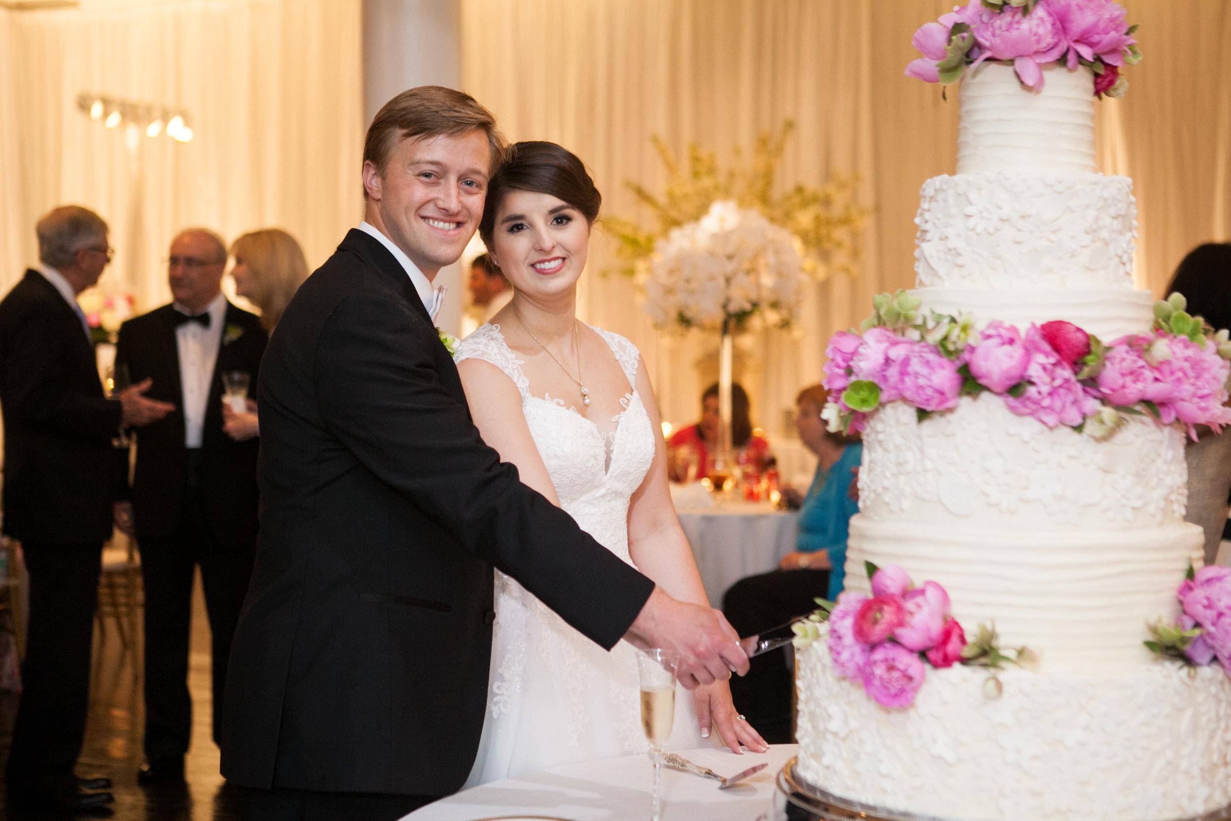 cake-cutting-wedding-reception-greg-boulus-events-augusta-georgia