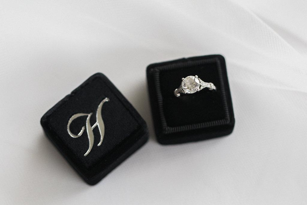 Mrs. Box_engagement ring box