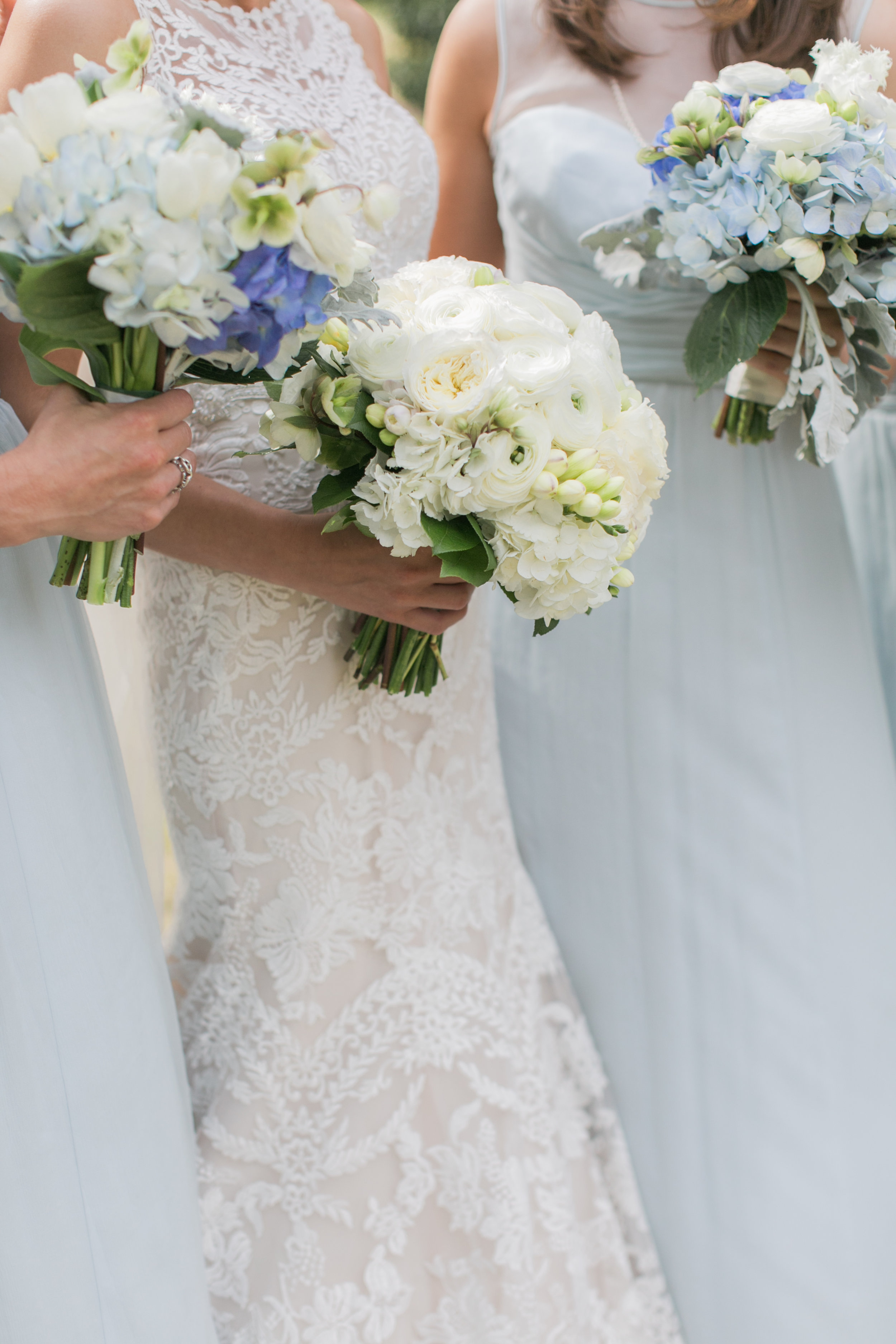 Spring bride and bridemaid bouquets