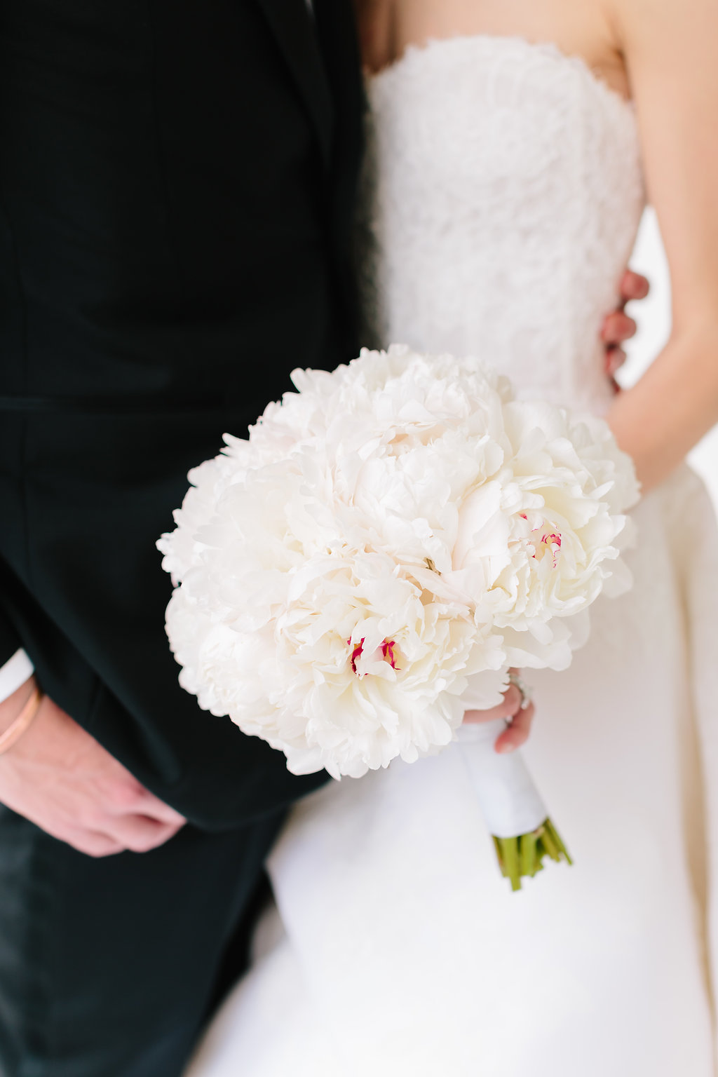 Featured Floral: all-white peonies - Sarah + James, Reserve Club at Woodside, Lauren Carnes Photography