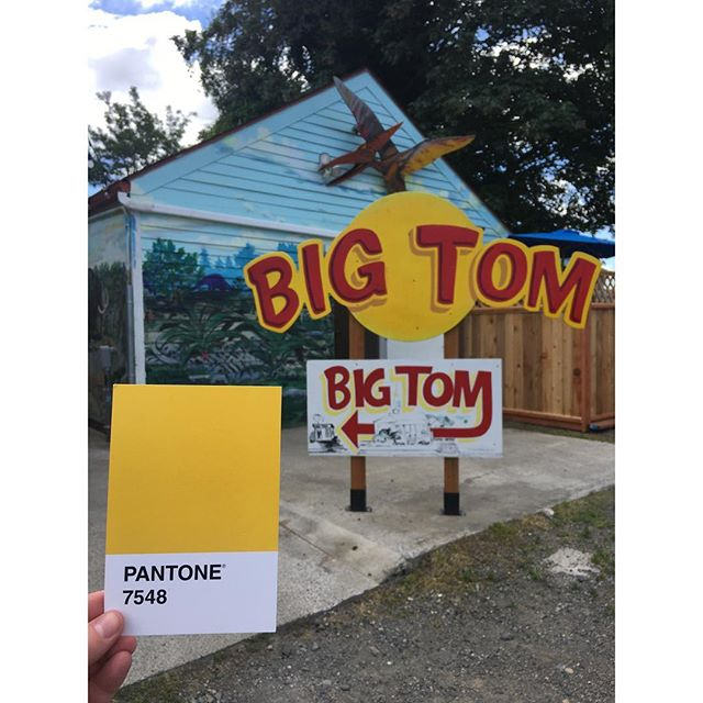 Olympia's legendary 🍔🍟 #BigTom . . . #OlyPantones #Pantone #Colors  #PantoneColors #PantoneGram #ColorInspiration #Olympia #Yellow #Burgers #Eagans #PugetSound #Downtown #Neighborhood #Bright #Design #IHaveThisThingWithColor #GraphicDesigner #ThurstonTalk