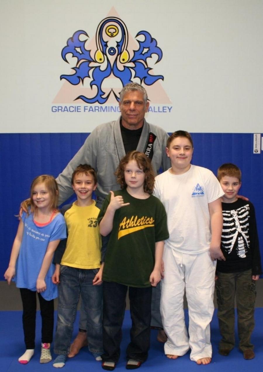 Generations of Jiu-Jitsu!!! GFV kids with BJJ Coral Belt Marcio Stambowsky