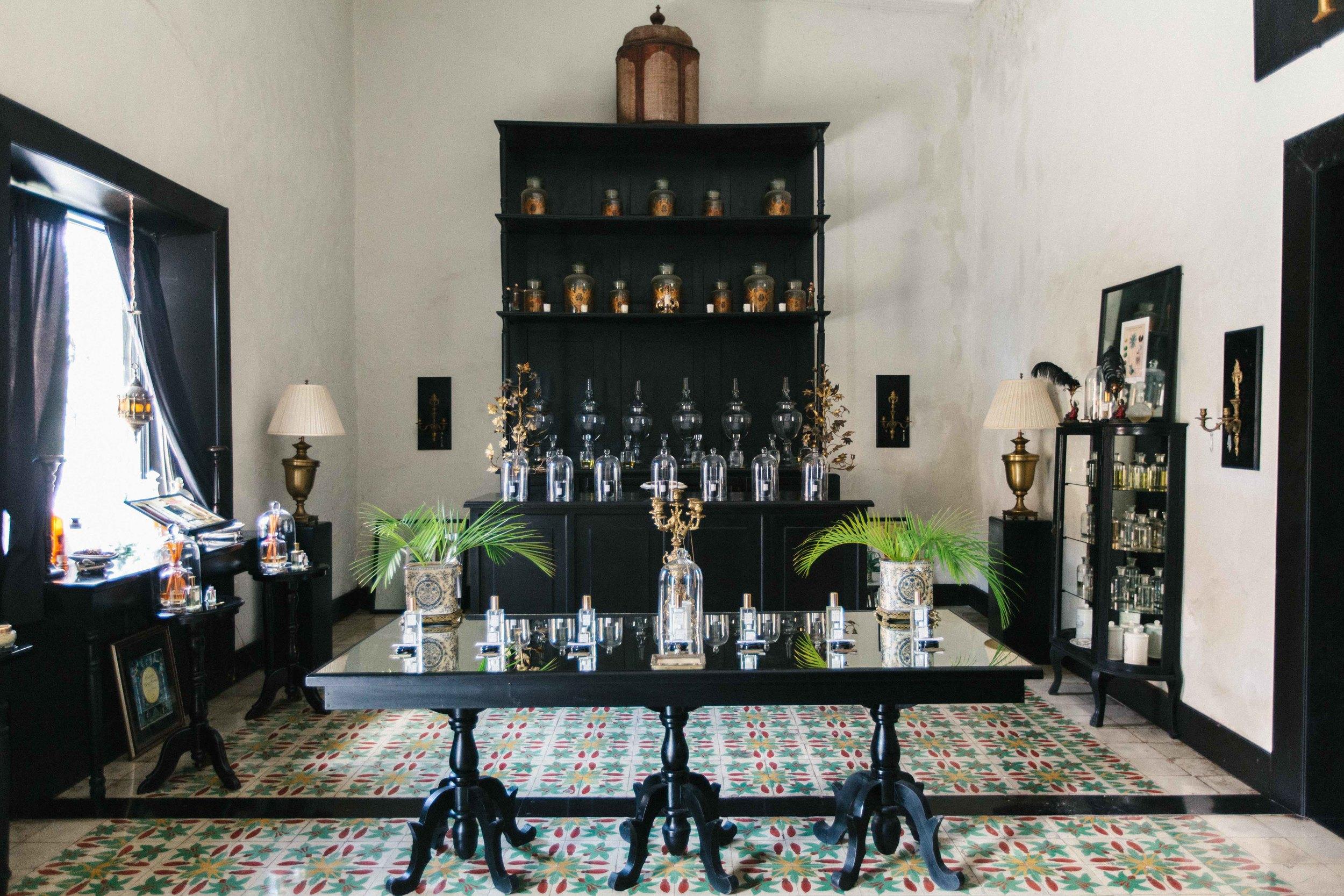 16.TheLine_CC_Valladolid_Perfumeria-2 copia.JPG