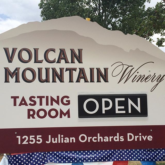 It's Friday and that means we're open and ready for the weekend! Tasting room hours: 11am-5pm Friday, Saturday, Sunday #juliancalifornia #sandiego #winetasting #volcanmountain