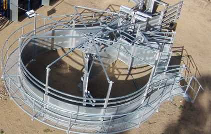 Our 360 degree pneumatic crowding yard