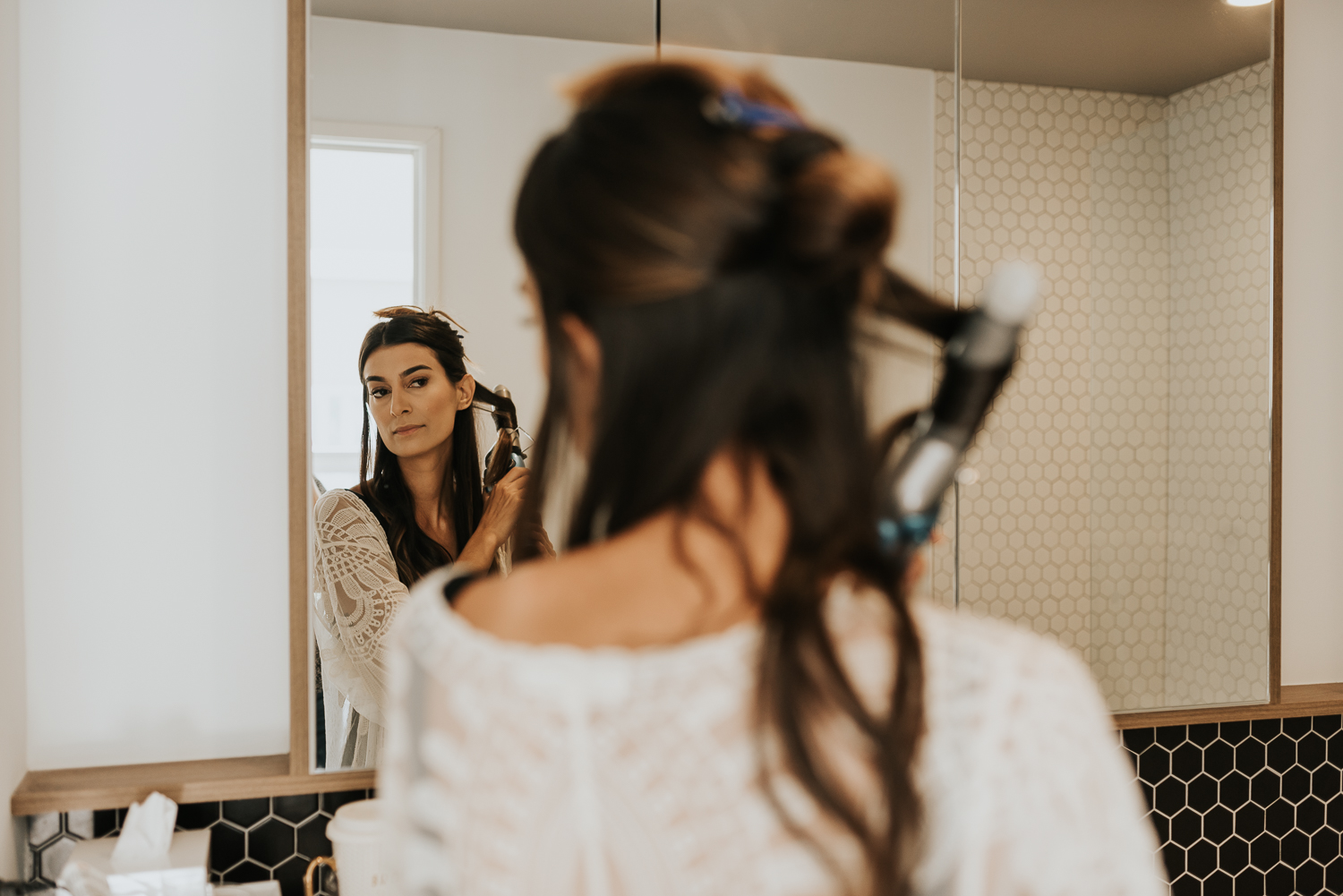 bridal portraits - getting ready - Philly elopement