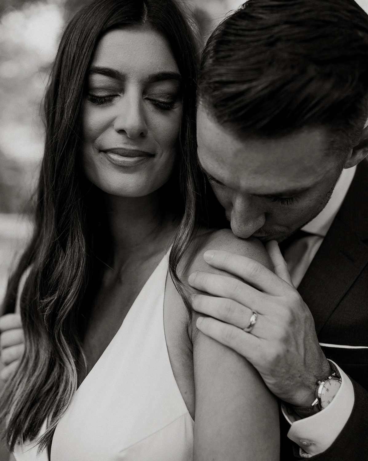 Intimate and emotive elopement photography | Philly