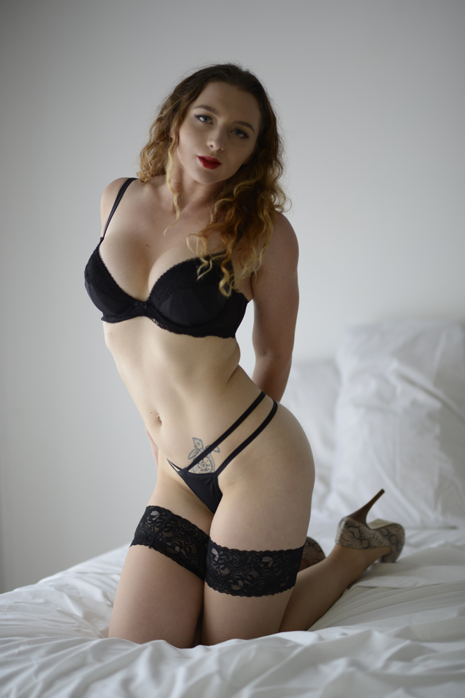 Model: Lara Cinnibar