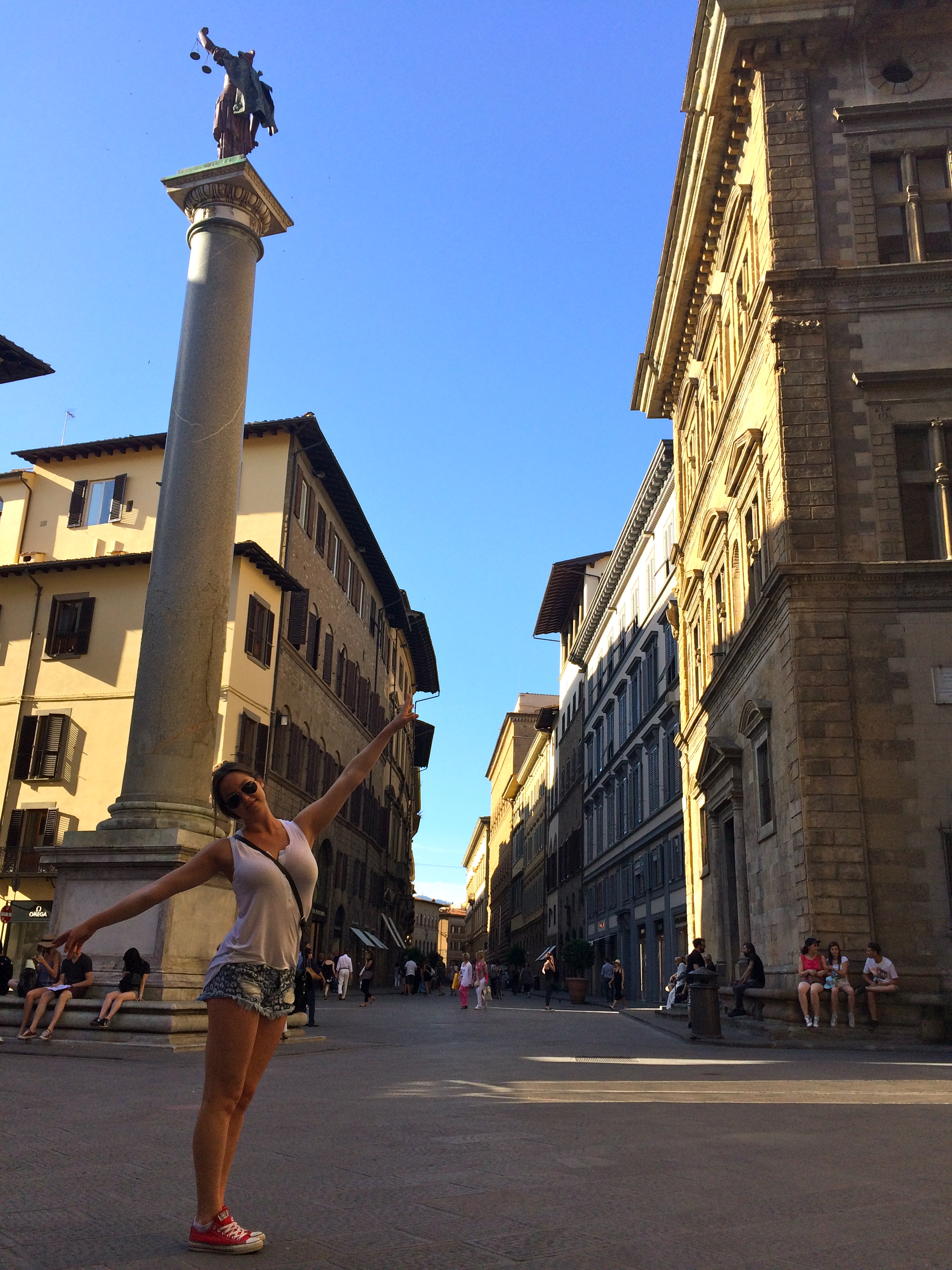 ◆ Kenzie in the streets of Firenze