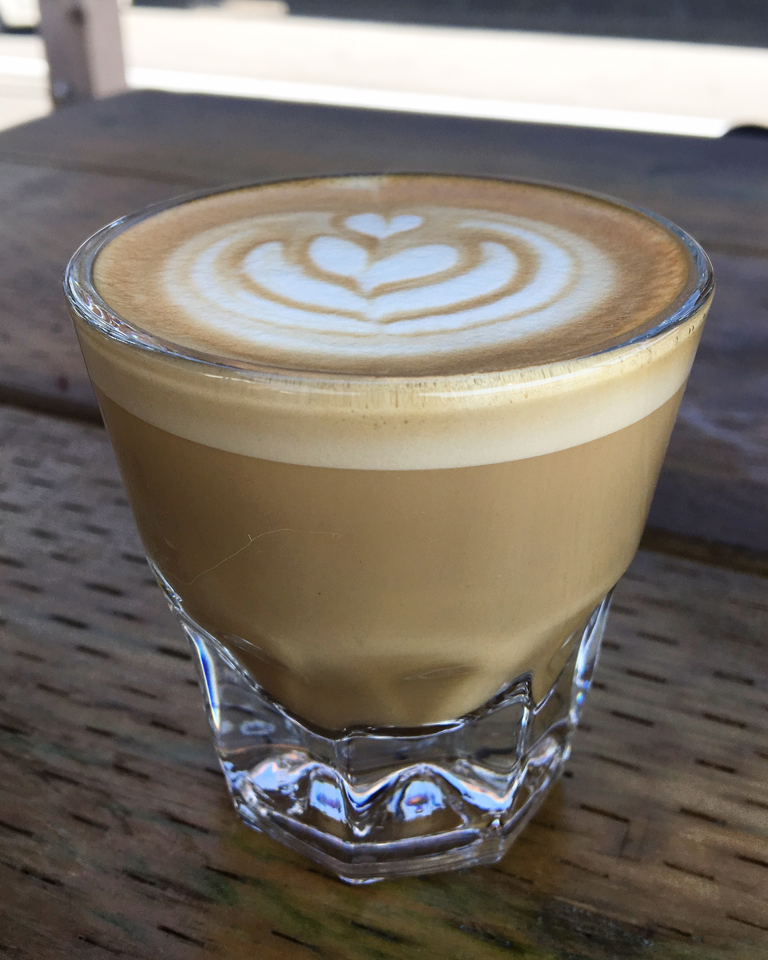 Cortado : 1/2 espresso, 1/2 foamy milk to reduce acidity.