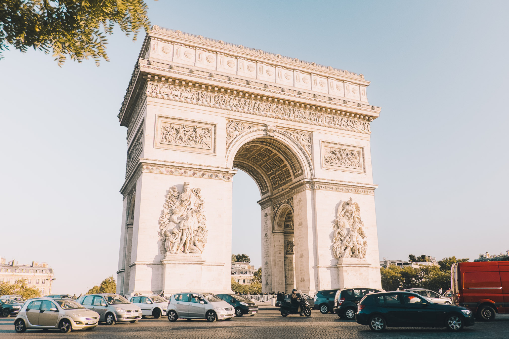 france-paris-arc-de-triomphe.jpg