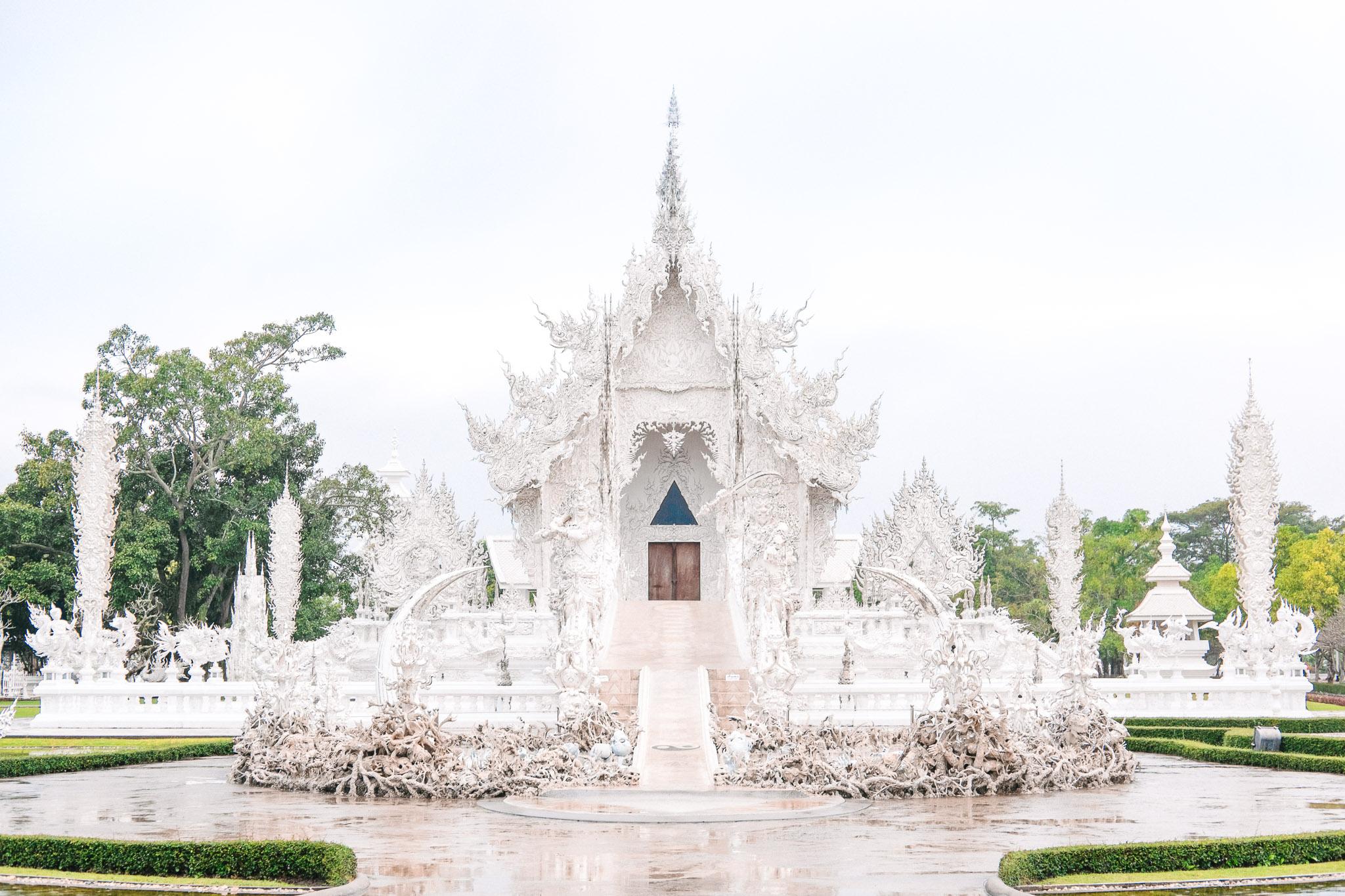 thailand-chiang-mai-wat-rong-khun-white-temple.jpg