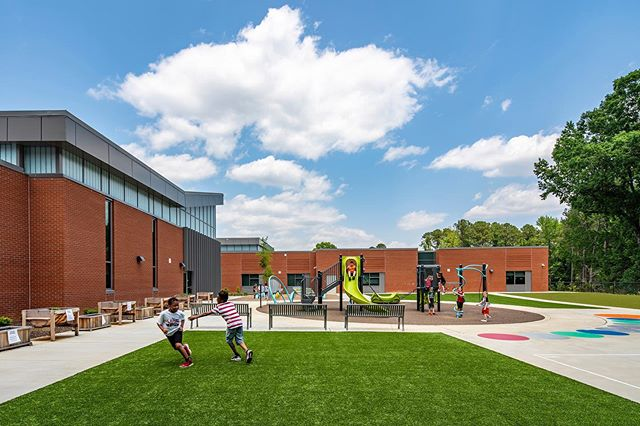 Happy Monday!  The kids are at school and I'm getting things done! Here's a look at Vandora Springs Elementary in Garner, NC photographed in late spring.  Beautiful campus with site and landscape design by @clhdesignpa