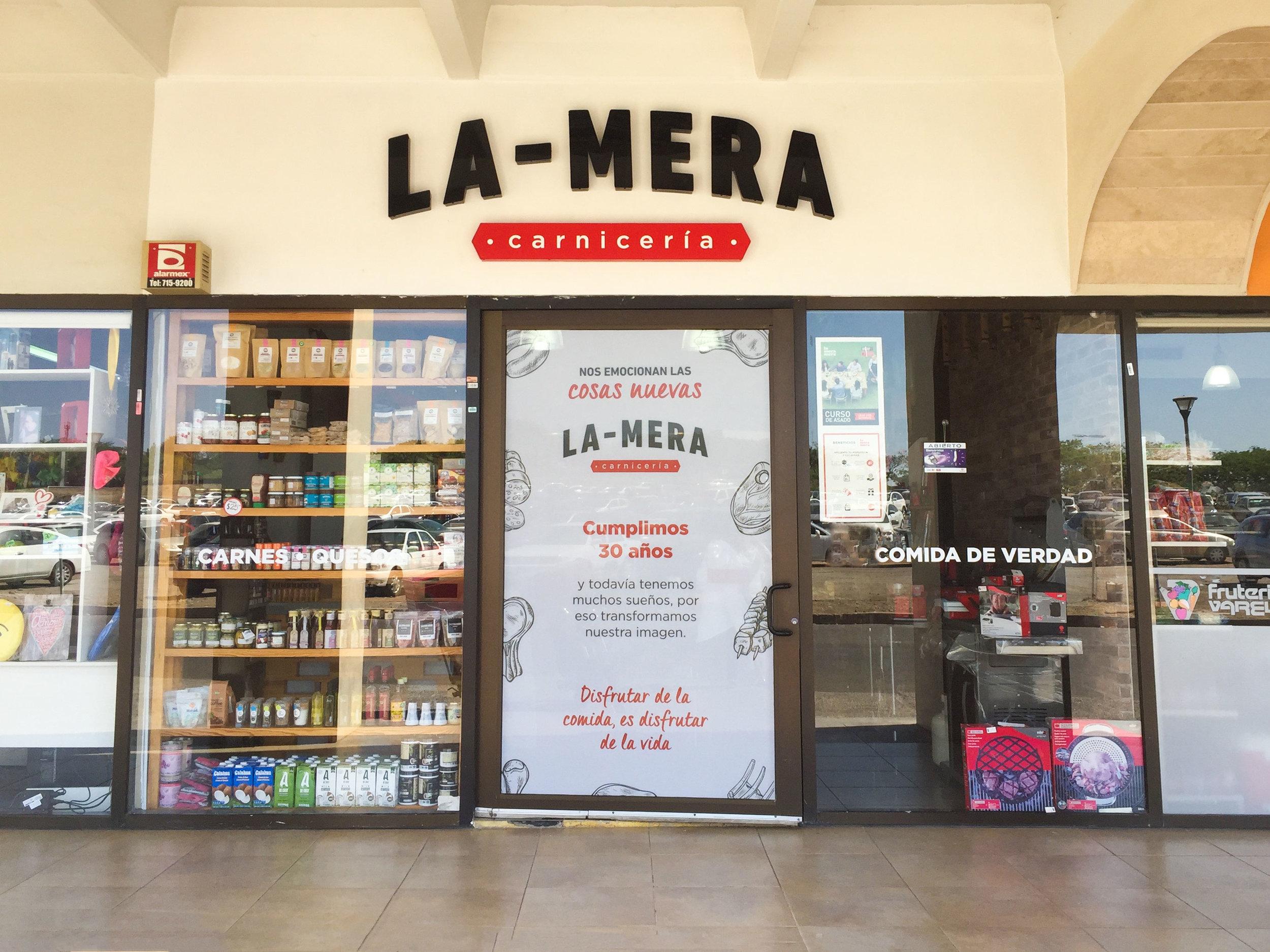 Fachada La Mera La PrimaVera.